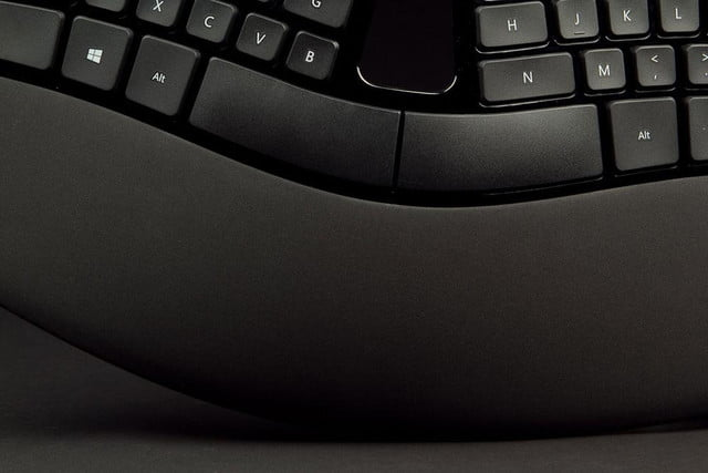 microsoft sculpt ergonomic desktop review
