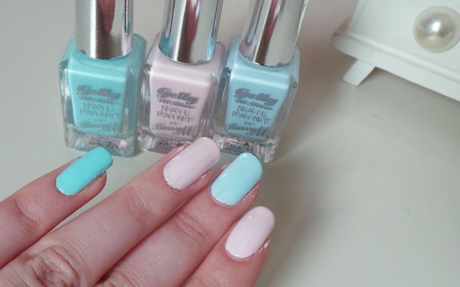 barry m gelly nail polish review