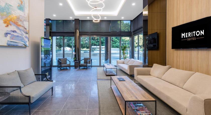 meriton serviced apartments waterloo reviews