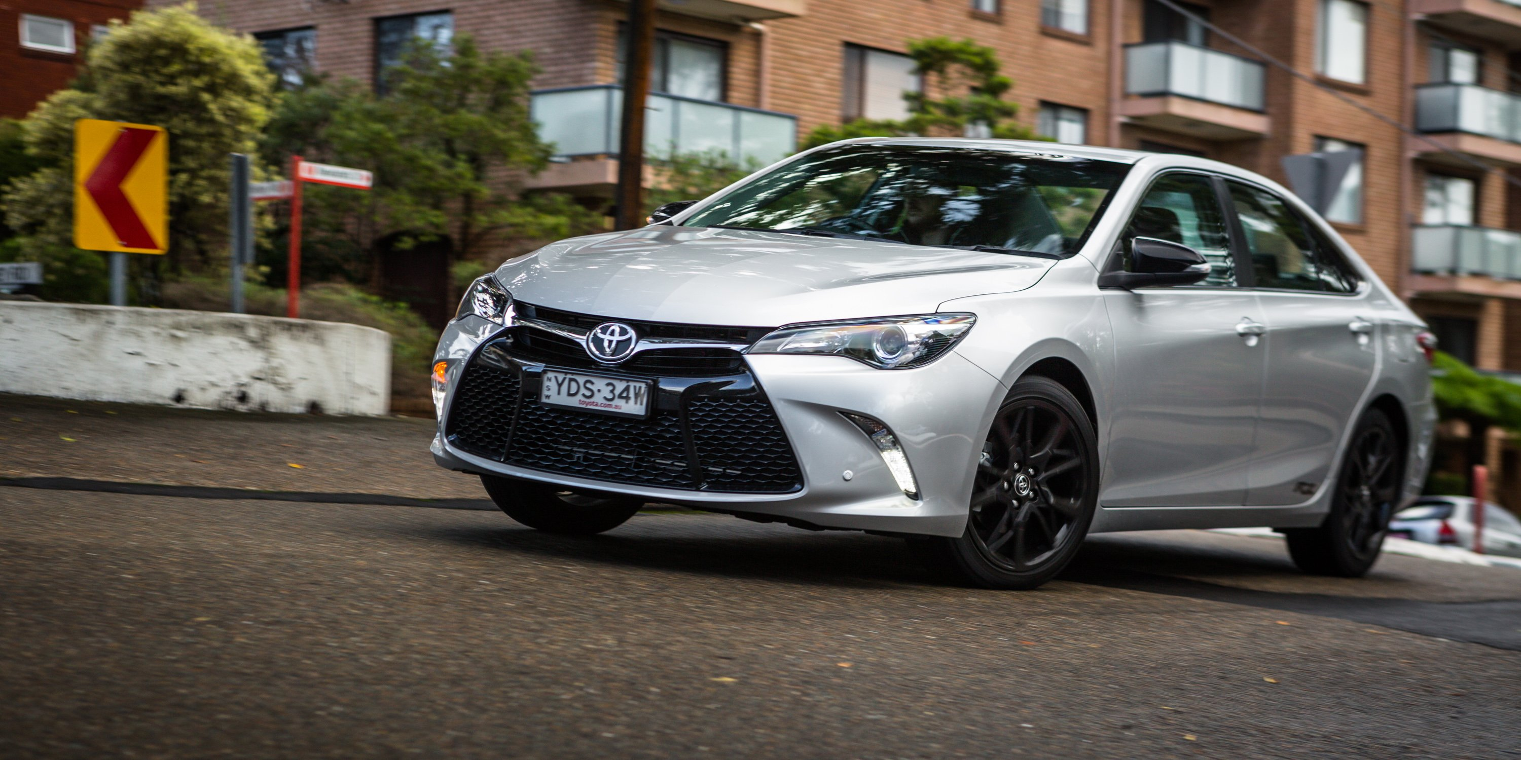 toyota camry rz 2016 review